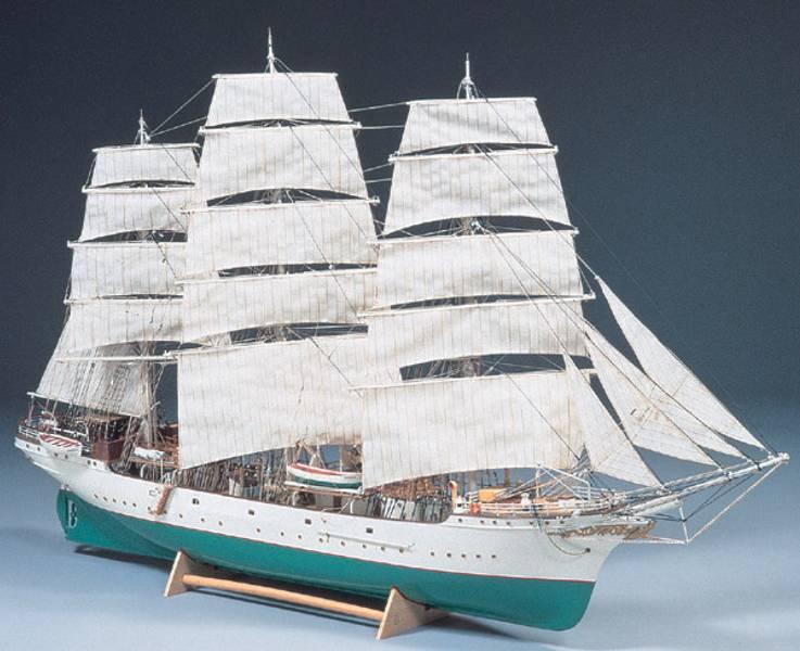 Danmark, skoleskip. 900 mm. 1:75